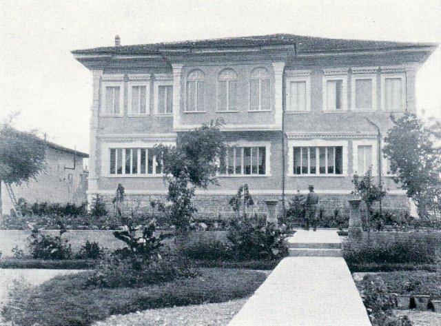 Kuzhinieri i Pallatit Mbretëror, sprovuar në Stamboll, Francë e gjekë! Si kapërceu 100 vjet Dhimosten Konomi!