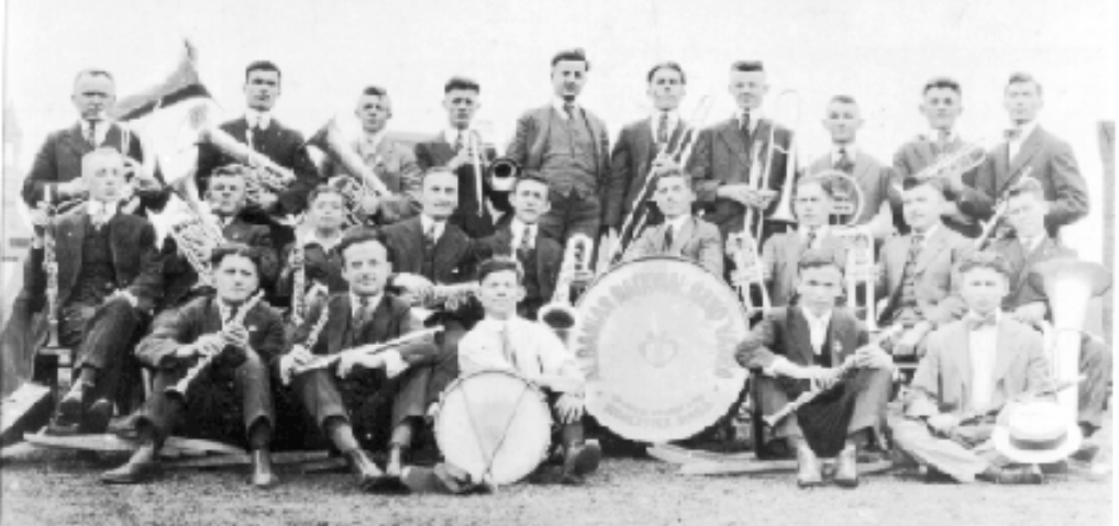 """Pritja që i bënë banorët e Gjirokastrës bandës """"Vatra"""" ardhur që nga Amerika më 1920"""