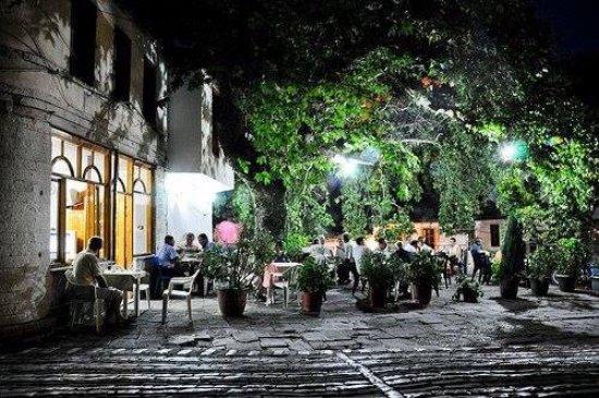 KLUBI GJUETARËVE - Historiku, konferencat, si dhe Gjuetarët më të Mirë të Gjirokastrës