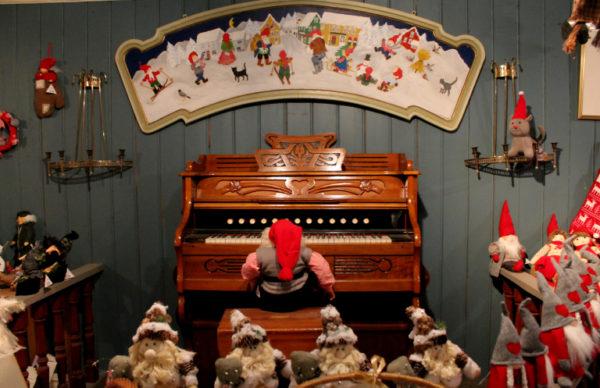 """""""Mirësevini në Shtëpinë e Krishtlindjeve""""!! Festa ka filluar brenda Fshatit Turistik të Oslos së Norvegjisë!"""