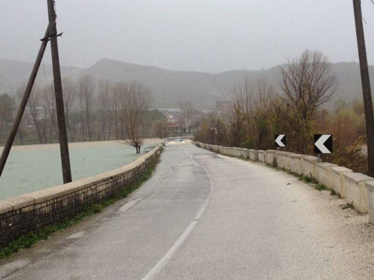 Situatë e Vështirë nga Rreshjet! Rezikohet Bllokimi i Rrugës Nacionale në Gjirokastër!