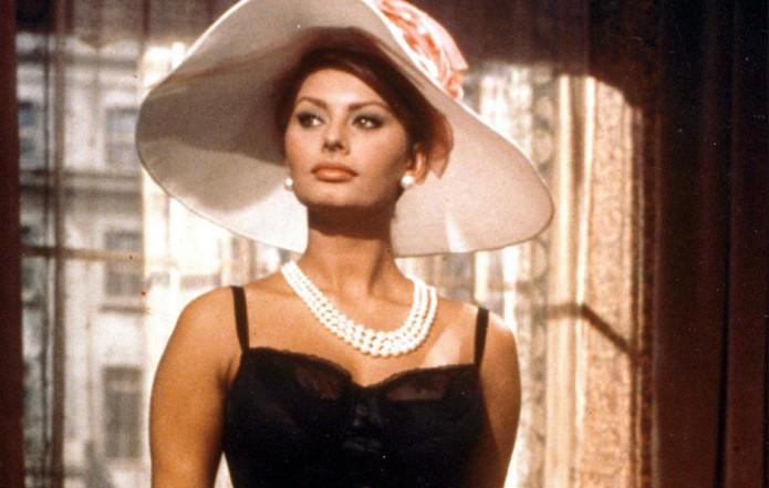 Evolucioni i Sofia Loren! Si ka ndryshuar aktorja Italiane që solli një stil të ri në kinematografi!