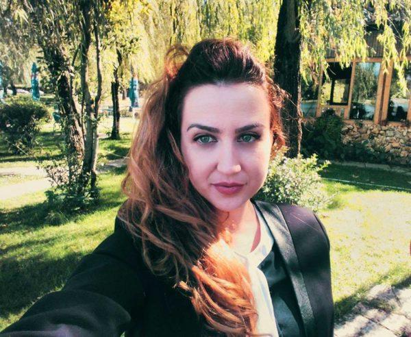 Lajmi Hit i Ditës - Drejtoresha e Re e Burgut të Grave në Tiranë Vajza Tërheqëse nga Gjirokastra! I Gjithë Qyteti i Uron Suksese!
