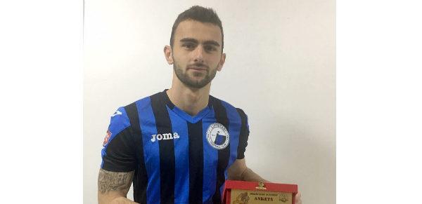"""Kristal Abazaj - Futbollisti i Luftëtarit merr Çmimin """"Më i Miri i Dhjetorit""""!"""