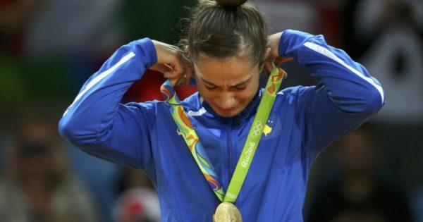 Kampionia Shqiptare e Botës në Xhudo Majlinda Kelmendi Deklaron se i Kërkojnë të Humbasë para Serbes! Dhe nuk janë Serbët që ja kërkojnë këtë humbje të trukuar!
