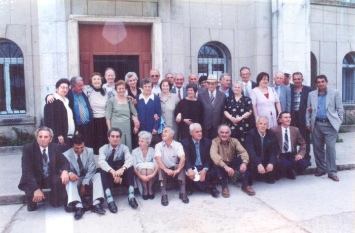 MATURA `57 - Kujtuar nga ish-Maturantët e saj pas 45 vjetësh më 20 shtator 2002!