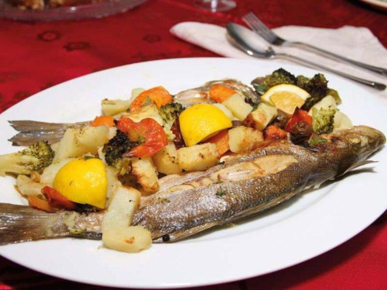 """Te Ai Darkonte """"Ekipi i Luftëtarit"""" sa herë ndeshej në Durrës! Mjeshtri i Gatimeve të Peshkut Ilo Lula dhe Sekreti i Recetave të Tij!"""