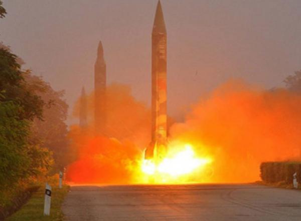 Ish-oficeri Koreano Verior Alarmon Amerikën: Kujdes nga Koreja, Raketat janë...