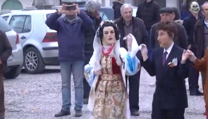 Festë Karnavalesh në Fshatin Dervician të Gjirokastrës që i Paraprin Pashkës së Madhe Ortodokse!