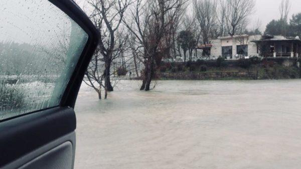 Gjirokastër Rikthehen Përmbytjet - Bllokohet Aksi, Liqeni i Viroit ka Shkatërruar Digën Provizore!