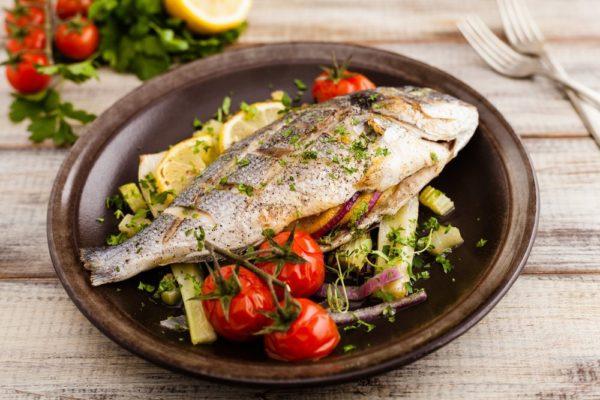 PESHK SADE TE ZIER - Nga Kuzhinieri Spiro Lula, që Gatuante vetëm në Restorante Peshku me Emër në Greqi!