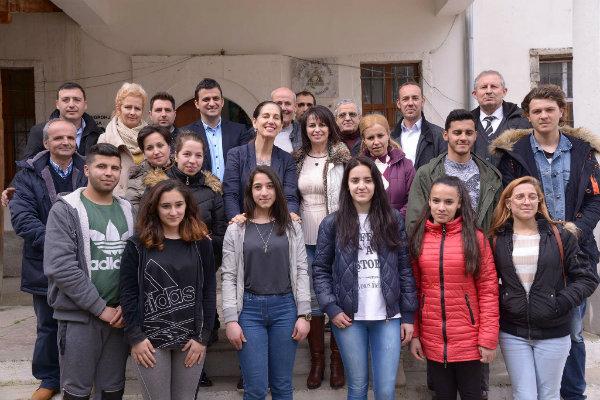 Një Flaut i Ri për Anxhelon - Ministrja Kumbaro Vizitë Surprizë në Shkollën Artistike të Gjirokastrës!