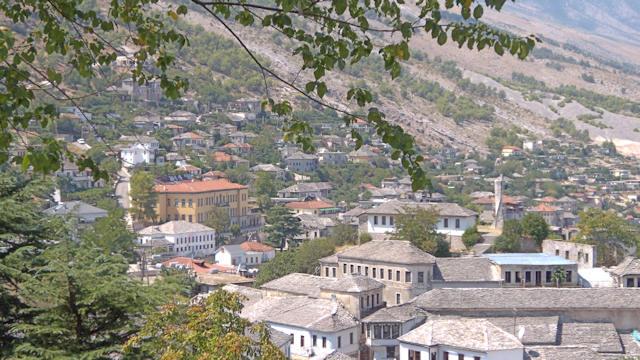 Pa Tapi Qindra Banesa Tradicionale në Gjirokastër, mes tyre edhe Monumente Kulture të Kategorisë së Parë!