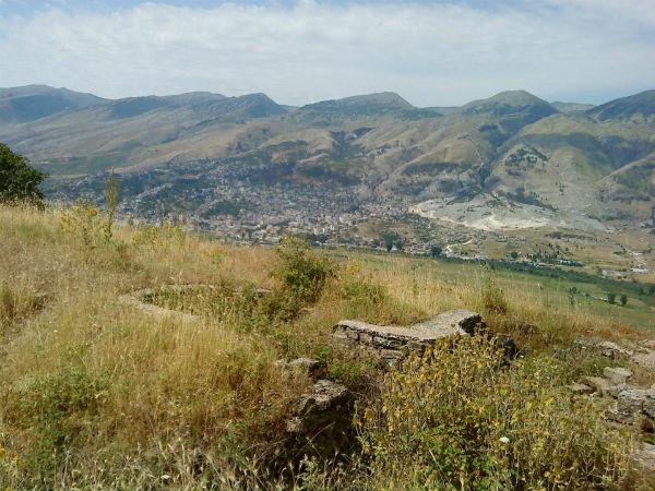 Historia 200 Vjeçare dhe Gjendja sot e Kalasë së Shën-Triadhës në Luginën e Drinos!