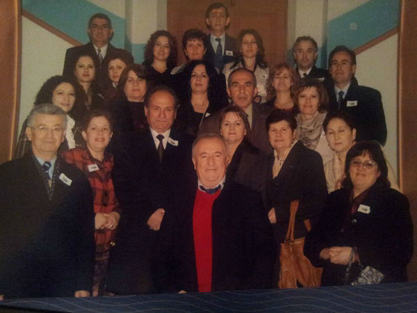 """Luan Hoxha - Mësonjësi i disa Brezave, Autori i Librit """"Fizika Jashtë Klase""""! Drejtor i Gjimnazit të Gjirokastrës 85-91!"""