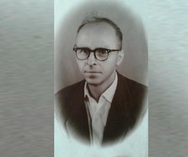 Mane Xhaxhiu - Mjeshtëri Duarartë i Përpunimit të Drurit dhe Zhvillimin e Artizanatit në Gjirokastër!