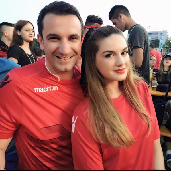 E Pathëna e Puthjes së Parë të Kryebashkiakut të Tiranës Erion Veliaj me Ajolën!