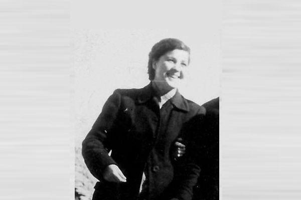 Rrëfimi Prekës i Anilës për Nënën e saj Adriana Qoftea, Spikeren e Parë të Radio-Gjirokastrës!