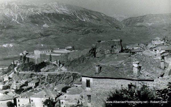 Petro Kekezi nga Varoshi i Gjirokastrës - I Pari në Prodhimin e Qirinjve deri afër vitit 1950!