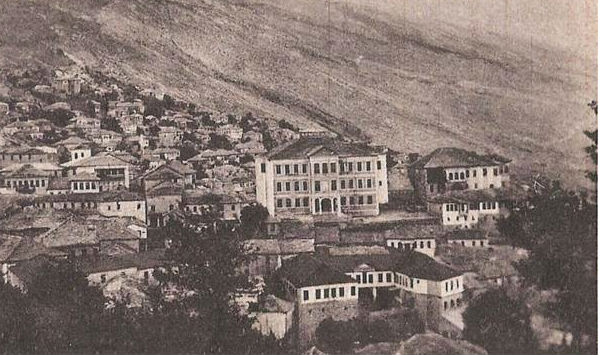 Pse Duhet t'i Kujtojmë Historitë e Frikshme të Zjarreve në Pazar dhe Mëhallat e Gjirokastrës!