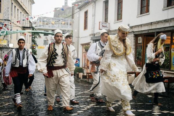 """Ja pse Gjirokastra është Quajtur """"Qytet i Festivaleve""""!"""