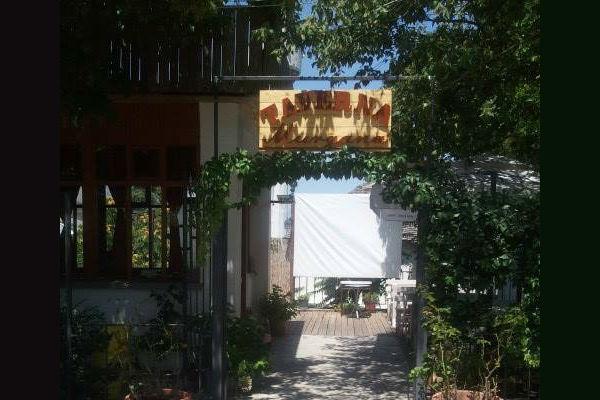 """Taverna """"Murgana"""" ku shërben Renato Xhimo në Bashte të Teqesë në Pazar të Gjirokastrës!"""