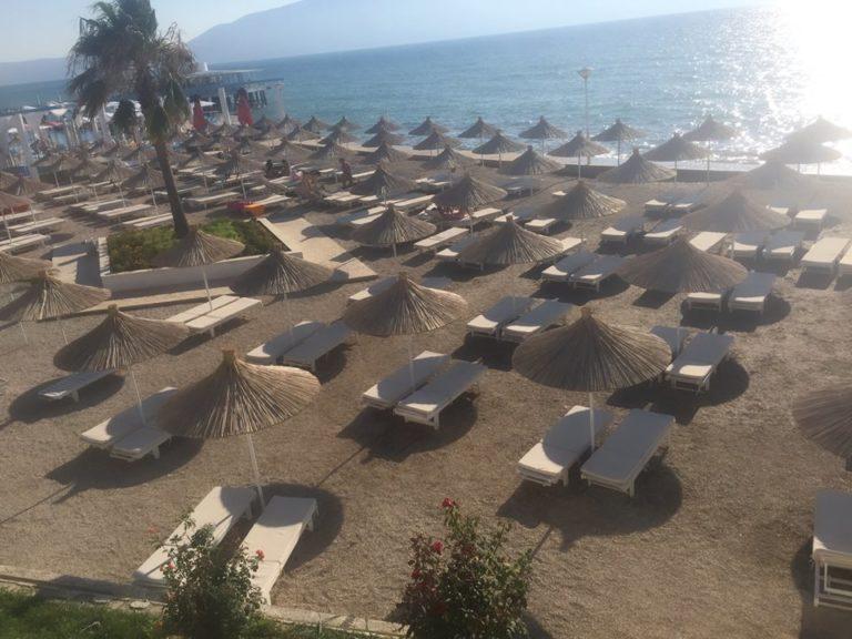 Bosh Plazhet e Vlorës në Pikun e Sezonit Turistik! - Shkaku sipas Gazetares...