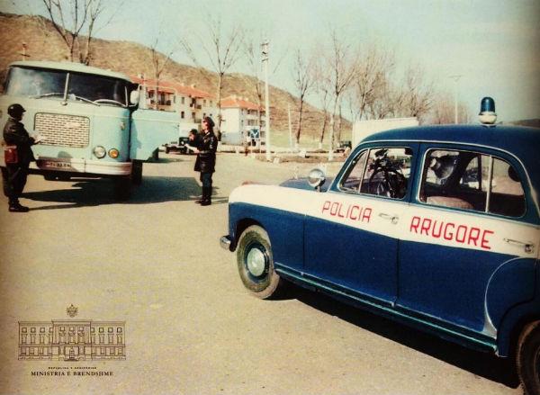 Policia Rrugore e atyre Viteve në Celuloid! Ç'thotë komentuesi...?