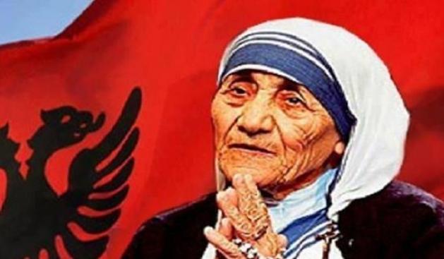 Nënë Tereza - 109 vjet nga lindja e Shenjtores Shqiptare simbol i Humanizmit