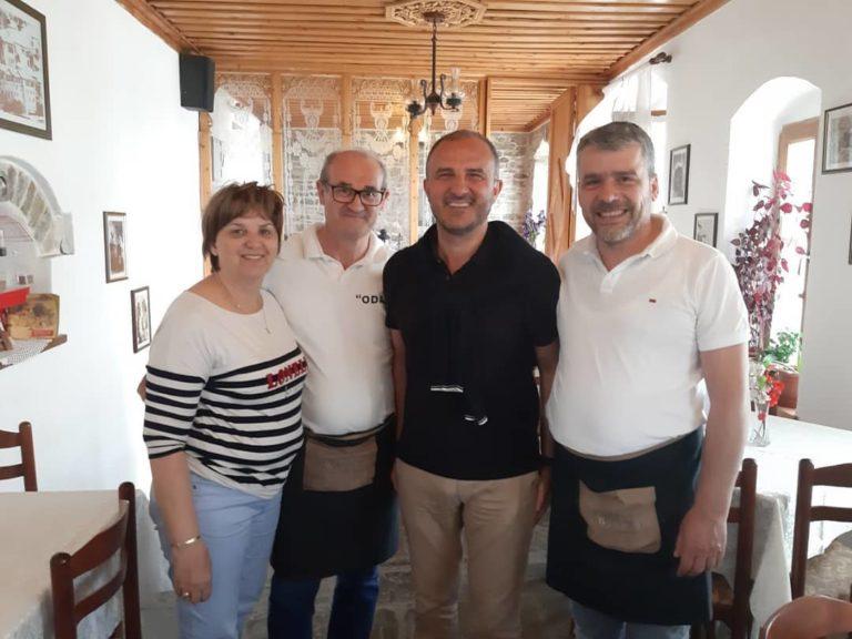 Restorant Odaja në Qafë të Pazarit me Mikëpritje, Gatime Tradicionale, dhe Shërbim të Kulturuar!