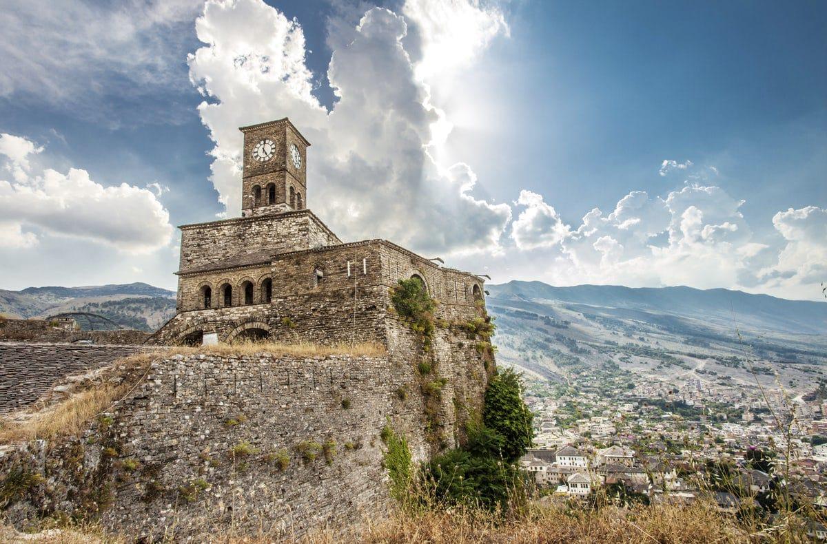 Kalaja e Gjirokastrës - Krenaria e Vegjëlisë dhe Djalërisë për cdo Gjirokastrit dhe jo vetëm