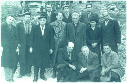 """Azis Hoxha, Drejtor i Shkollës """"Koto Hoxhi"""" në kujtimet e Djalit, Farmacistit të Njohur Gjirokastrit Përparim Hoxha"""