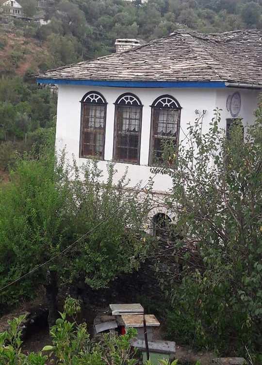 """Rikonstruktohet banesa """"Vebiu"""" në Gjirokastër me Vlera Kulturore!"""