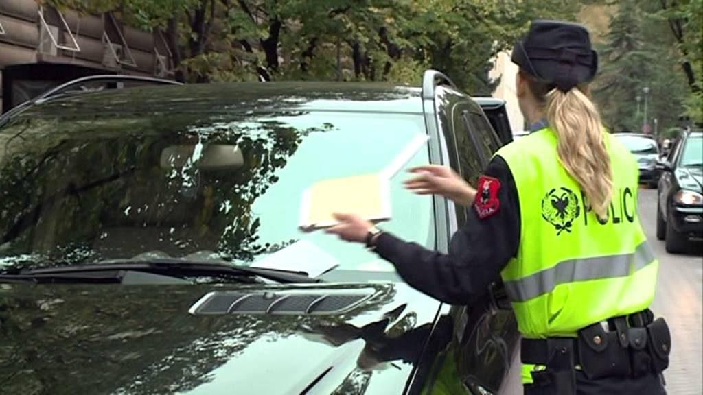 Parkim me Pagesë ose Gjobë brenda Sekondit - Fatura që na Pret të Gjithëve Ditën e Punës