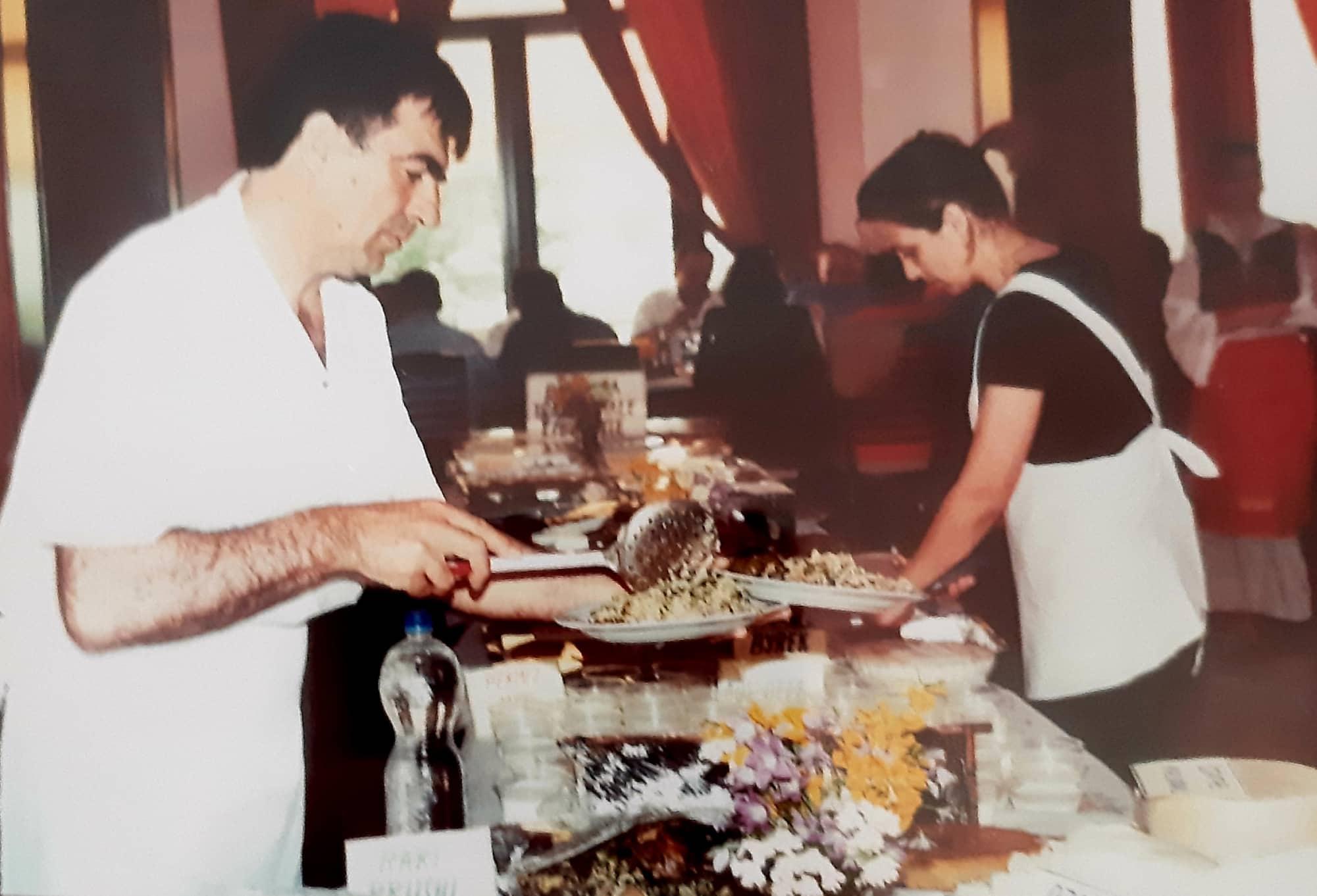"""""""Lakrori me Kokosh"""" që preferonte Shanishaja, motra e Ali Pashës, e që sot e shijoni edhe në Restorantin e Kuzhinierit Libohovit Sedat Ismailati"""