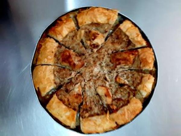 """Receta Shekullore! Sapo doli nga Furra """"Lakrori me Kokosh"""" nga Mjeshtri Sedat Ismailati në Restorantin e tij në Libohovë"""