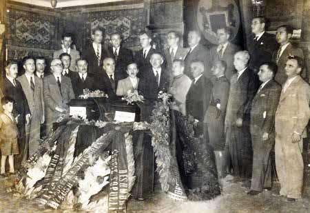 Eshtrat e Heronjve Çerçiz Topulli e Mustafa Qulli përcillen nga Shkodra me Përshëndetjet e Pater Anton Arapit dhe Prof. Ernest Koliqit
