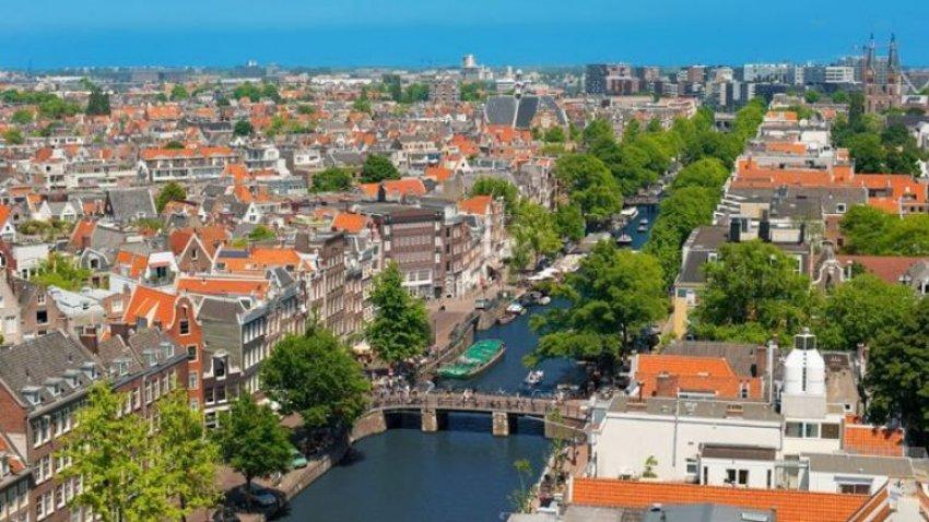 Holanda-200 Mijë Euro Për të Ndërruar Emrin!