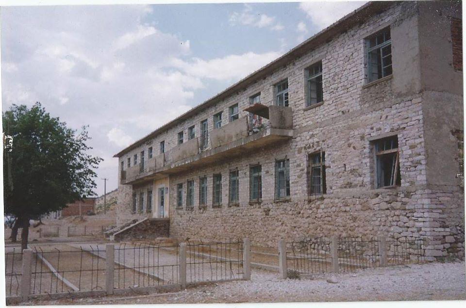 """Kujtesë/ 50 Vjet më Parë u Çel Shkolla e Mesme Bujqësore """" Themo Vasi""""në Nivan të Krahinës së Zagorisë"""