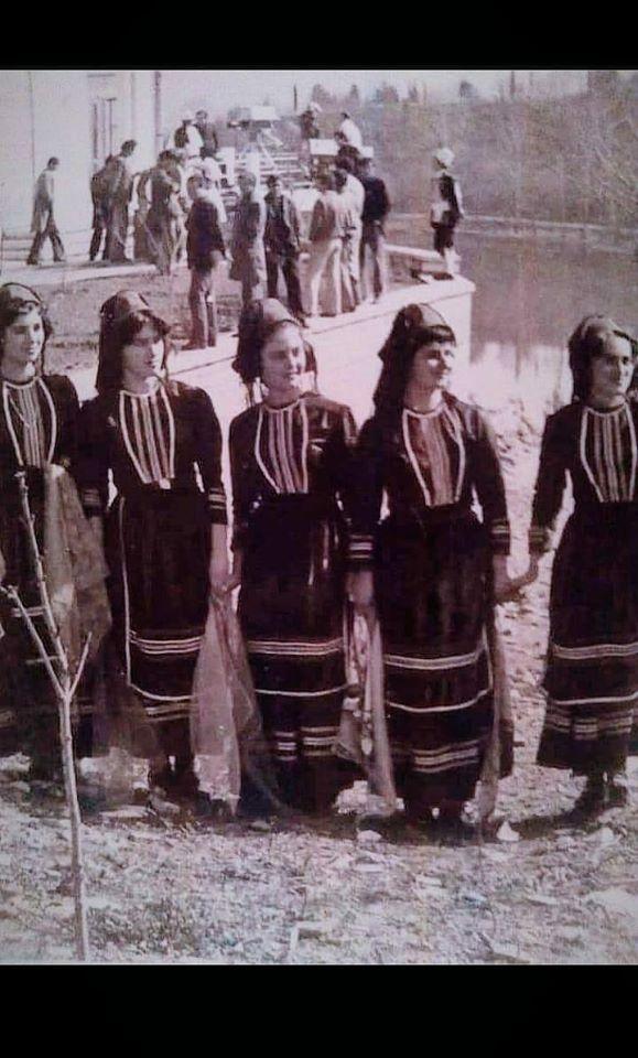 Valltaret e Bukura Gjirokastrite të Grupit të Valleve të Pallatit të Kulturës të Qytetit të Gjirokastrës!