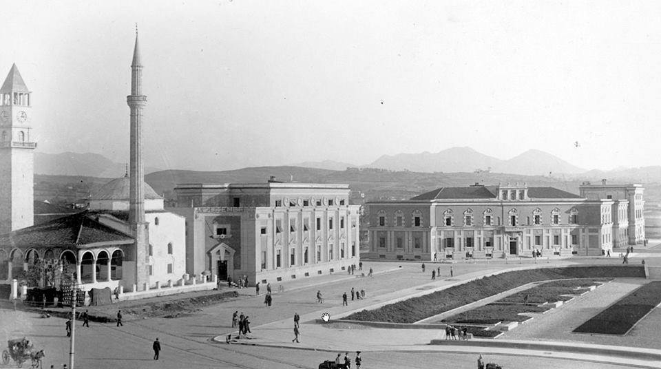 Tirana 100 Vjet Kryeqytet! Ja Si Ka Shkruar Një Vitë më Parë Anila Rezhda Për Tiranën!