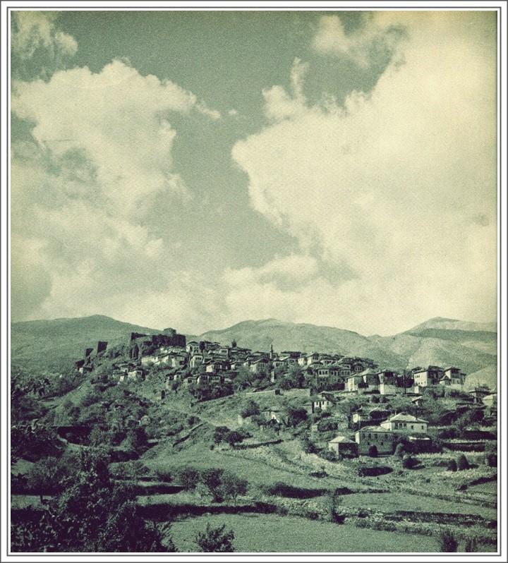 Ja Si Kanë Ndryshuar Lagjet Pllakë dhe Dervish Bej në 110 Vjet në Qytetin e Gjirokastrës!