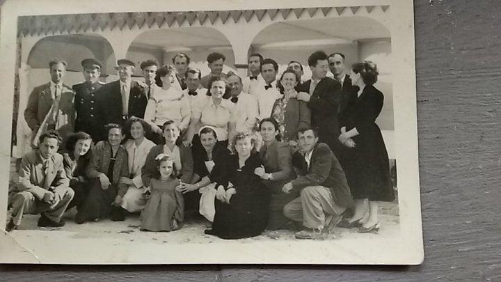 Njihuni me Grupin që Përgatiti Aktivitetin dhe Drekën Në Kalanë e Gjirokastrës në Qershor 1959 Për Delegacionin Sovjetik të Kryesuar Nga Malinovski!