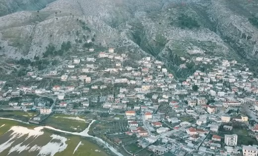 Shkrimtari Sterjo Spasse për Jetën në Derviçan në Vitin 1932 dhe pse Djemë të Gjirokastrës Shkonin te Dielave në Këtë Fshat!