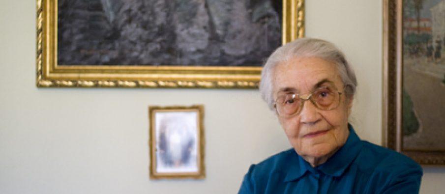 Ndahet nga Jeta në Moshën 99 vjeçe Nexhmije Hoxha, Gruaja e Ish-Liderit Enver Hoxha