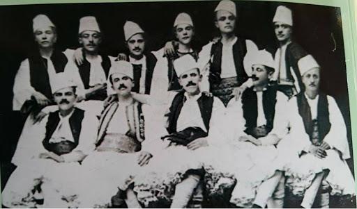 Burrat me mustaqe të Gjirokastrës dhe krahinave të saj(Shembuj dhe emra)