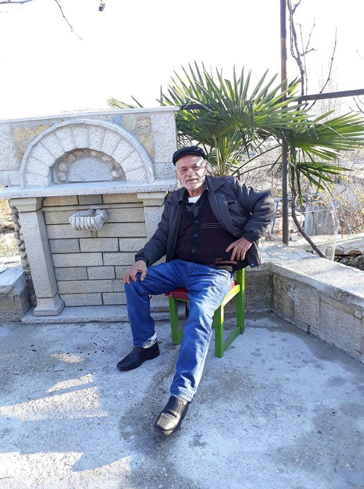Ndahet nga Jeta Muhedin Makri, Mjeshtri i Madh i Gdhendjes se Gurit ne Qytetin e Gjirokastres