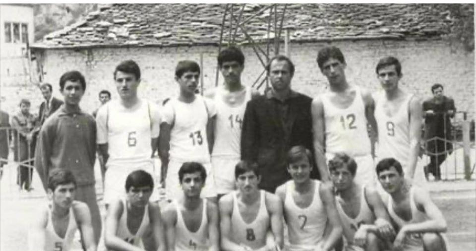 Fushat e Vjetra te Gjirokastres te Lojrave me Dore dhe Kembe qe kane Nxjerre Sportiste te Nivelit te Larte!