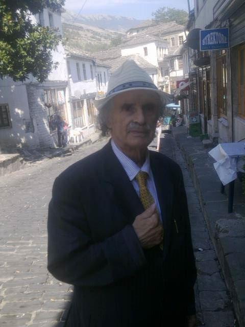 Sot Gjirokastra Festoi 80 Vjetorin e Lindjes te Banorit te Saj te Shquar Sotiraq Paskali!