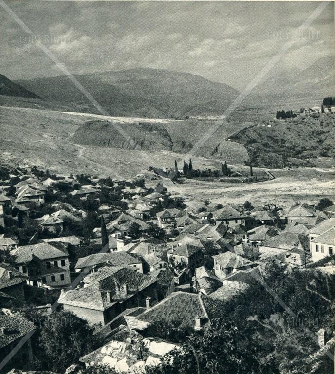 Te pathëna per personalitete të Gjirokastrës dhe krahinave të saj